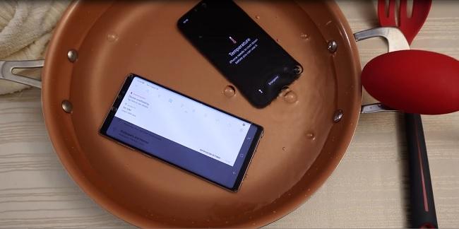 test khả năng chống nước giữa iphone x và galaxy note 9